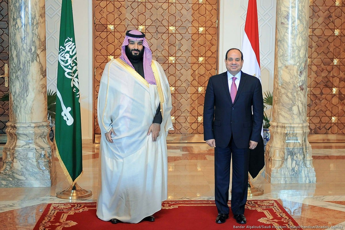 Crown Prince and Defense Minister of Saudi Arabia Mohammad bin Salman al-Saud (L) meets with Egyptian President Abdel Fattah al-Sisi (R) at Al Ittihadiyah Palace in Cairo, Egypt on 4 March, 2018 [Bandar Algaloud/Saudi Kingdom Council/Handout/Anadolu Agency]