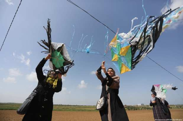 Palestinians took part in a march towards the Israeli border in the build up to the Great March of Return on 29 March 2018 [Mohammed Asad/Middle East Monitor]
