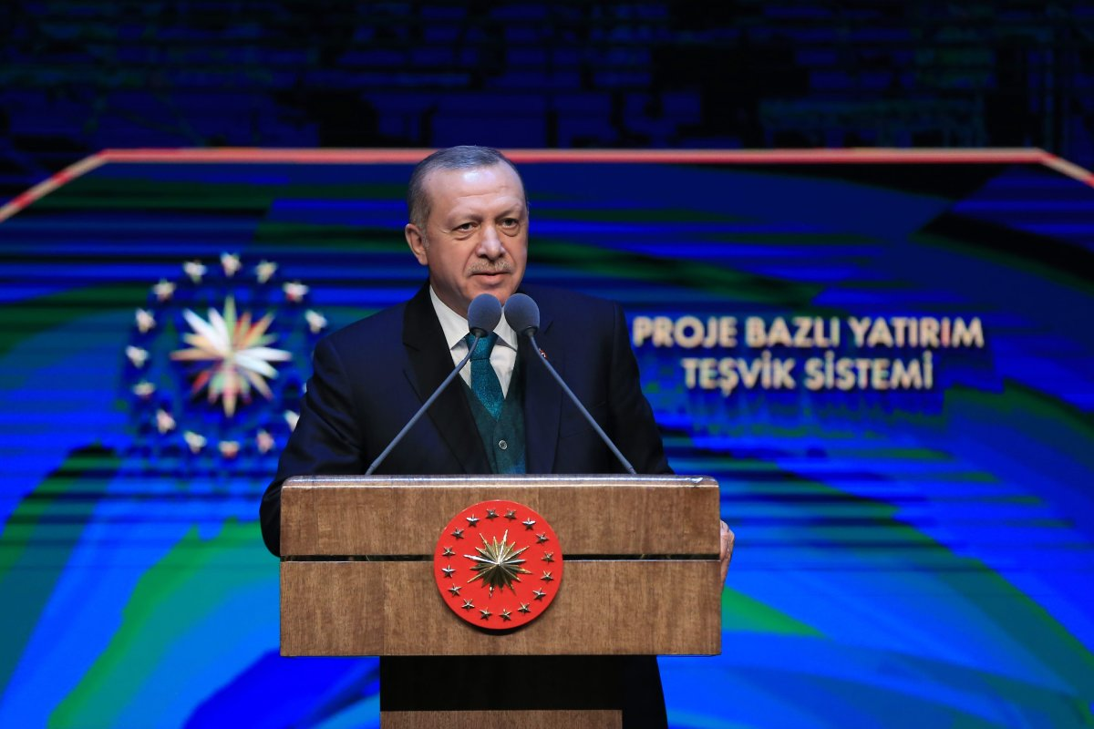 Turkish President Recep Tayyip Erdogan makes a speech during the promotion of Project Based Investment Incentive System and distribution ceremony of Investment Incentive Certificate at Presidential Complex in Ankara, Turkey on 9 April, 2018 [Murat Cetinmuhurdar/Anadolu Agency]