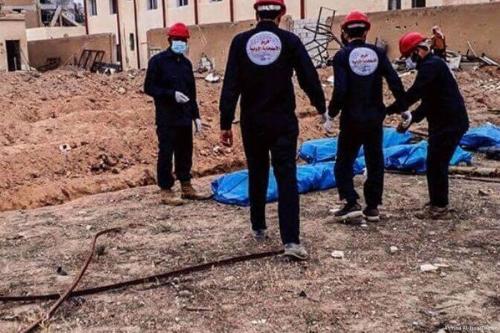 سوریه: د داعش تر ولکې لاندې سیمه کې ډله ییز قبر کې تر ۱۵۰۰ جسدونه موندل شوي