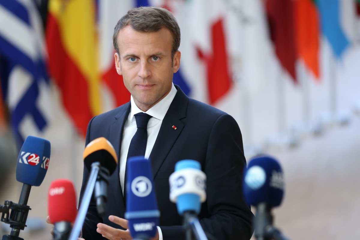 French President Emmanuel Macron speaks to journalists before entering the meeting hall during the EU Leaders summit in Brussels, Belgium, 28 June 2018 [Dursun Aydemir/Anadolu Agency]