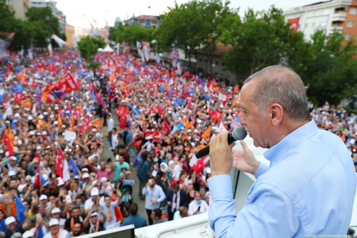 Turkish President and the leader of the Justice and Development Party (AK Party) Recep Tayyip Erdogan delivers a speech during AK Party's rally in Istanbul, Turkey on 22 June 2018 [Kayhan Özer/Anadolu Agency]