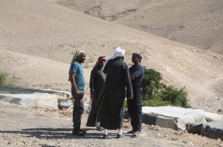 Palestinians continue to wait in Khan al-Ahmar village after Israeli High Court temporarily suspends demolishing until July 11 in Jerusalem on 6 July, 2018 [Issam Rimawi/Anadolu Agency]