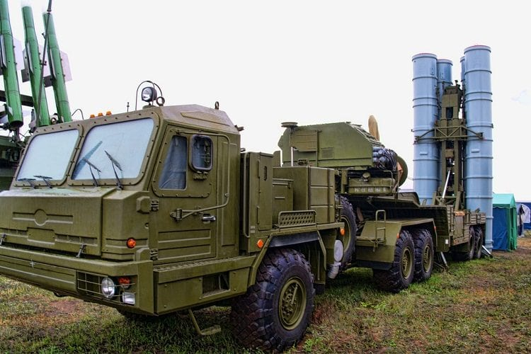 The S-300 air defence systems are among the most prominent weapons Algeria has bought from Russia