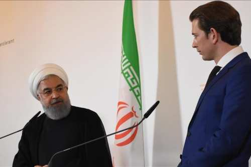 Iranian President Hassan Rouhani (L) and Austrian Prime Minister Sebastian Kurz (R) hold a joint press conference in Vienna, Austria on 4 July 2018 [Aşkın Kıyağan/Anadolu Agency]