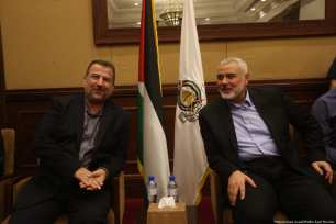 Senior Hamas officials arrive in Gaza [Mohammed Asad/Middle East Monitor]