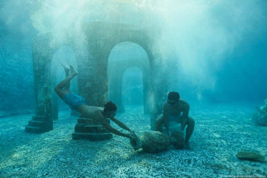 People enjoy summer at a water park in Turkey [Emin Mengüarslan/Anadolu Agency]
