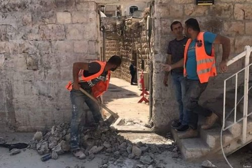 Israel knocks a hole into the Old City walls of occupied Jerusalem to create a new 'gate' near the ancient Damascus Gate [Twitter]