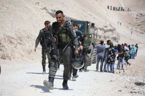 Israeli occupation forces storm Khan Al-Ahmar and detain four people [İssam Rimawi/Anadolu Agency]