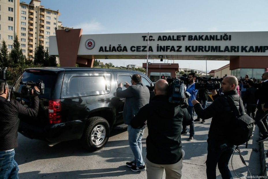 The US Embassy Charge d'Affaires in capital Ankara, Jeffrey Hovenier, arrives at Aliaga Prison and Courthouse complex ahead of trial of American pastor Andrew Brunson, who is facing terrorism-related chargers in Turkey, on Friday in western Izmir province on October 12, 2018 [Mahmut Serdar Alakuş / Anadolu Agency]