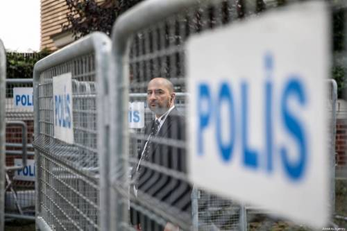 Police barricades are seen in front of the Saudi consulate as the waiting continues on the killing of Prominent Saudi journalist Jamal Khashoggi in Istanbul, Turkey on 20 October 2018 [Muhammed Enes Yıldırım / Anadolu Agency]