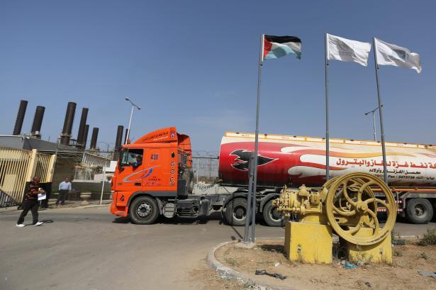 Israel allowed fuel in to Gaza on 24 Otcober 2018 [Ashraf Amra/Anadolu Agency]