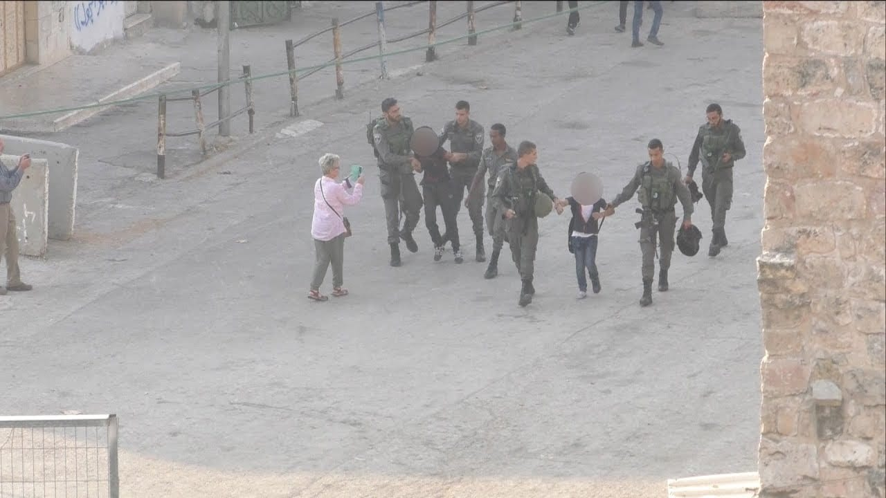 Bildergebnis für Israel forces detain Palestinian kids on way to school