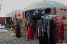 Turkmen merchants sell their wares to shoppers in Iran, 21 November 2018 [Fatemeh Bahrami/Anadolu Agency]
