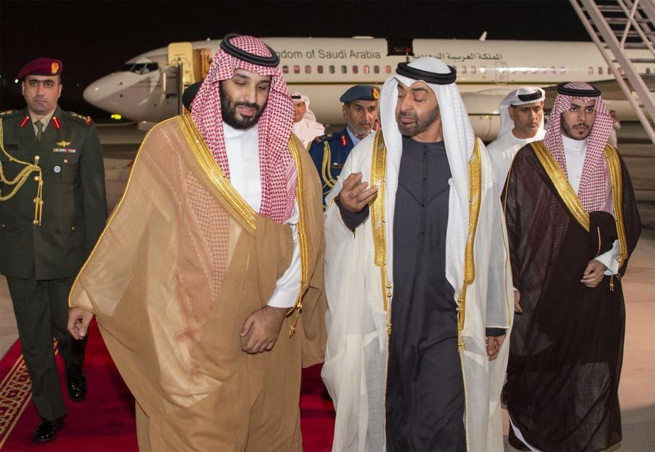 Crown Prince and Defense Minister of Saudi Arabia Mohammad bin Salman al-Saud (2nd L) is welcomed by Crown Prince of Abu Dhabi Mohammed bin Zayed Al Nahyan (2nd R) with an official ceremony at Abu Dhabi Airport in Abu Dhabi, UAE on 22 November 2018 [BANDAR ALGALOUD/Anadolu Agency]