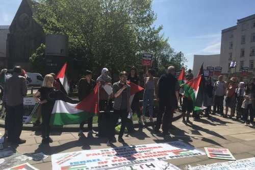 Students hold a protest calling to an end to Israel's occuation on Gaza at Leeds University, UK on 5 May 2018 [University of Leeds - Palestine Solidarity Group/Facebook]