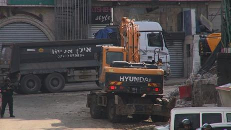 The occupying forces are launching demolitions for 16 commercial shops in the Shuafat camp in occupied Jerusalem [WafaNews]