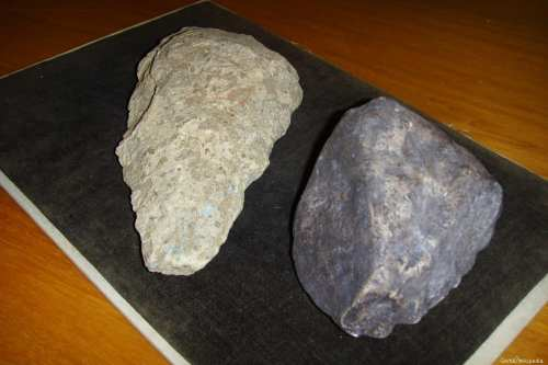 Stone tool in the Oldowan style) similar to the one found