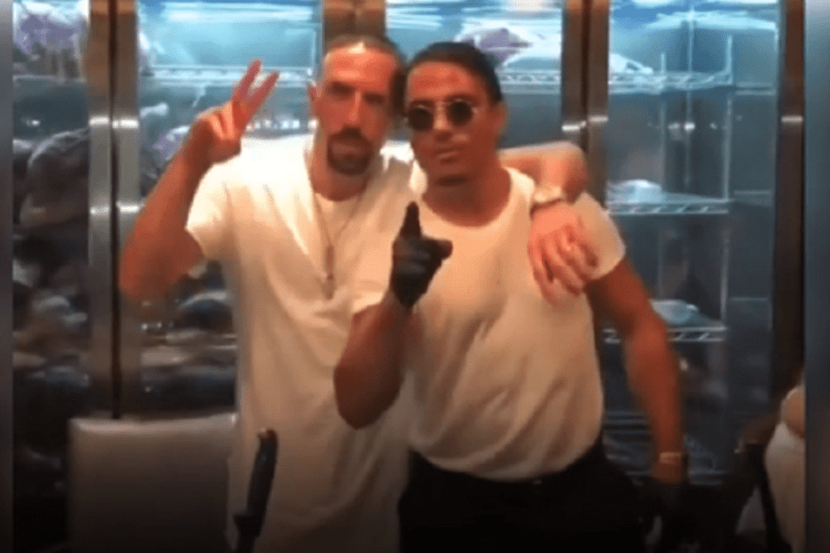 Bayern Munich football player, Franck Ribery and Turkish chef, Salt Bae in Dubai [Instagram]