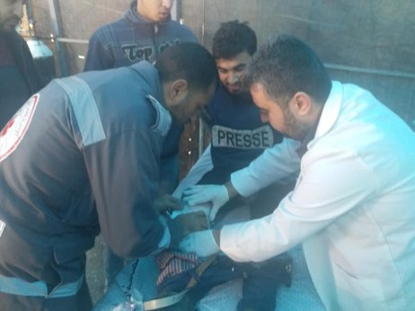 Journalists Ahmad Ghanem and Mohammad Abu Qadous injured in Gaza on 18 January 2019 [Twitter]