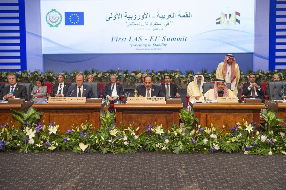 "President of the European Council, Donald Tusk (L2), Egyptian President Abdel Fattah el-Sisi (C), Saudi Arabia's King Salman bin Abdulaziz al-Saud (R2), Arab League Secretary-General Ahmed Aboul Gheit (R) attend the EU-Arab League summit held under the theme ""Investing in Stability"" on 24 February 2019 in Sharm el Sheikh, Egypt. [Bandar Algaloud / Saudi Kingdom Council / Handout - Anadolu Agency]"