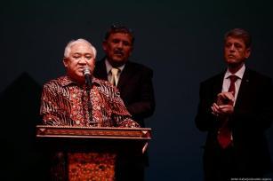 Former Chairman of Muhammadiyah, Din Syamsuddin (L) makes remarks during the 54th Anniversary of the Palestinian Revolution in Jakarta, Indonesia on 27 February 2019 [Anton Raharjo/Anadolu Agency]