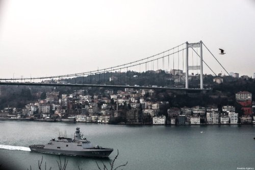 A war ship passes through Bosphorus in Istanbul, Turkey on 2 March 2019 [Şebnem Coşkun/Anadolu Agency]