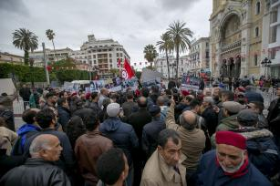 Tunisian people gather in front of France Embassy during a demonstration on the occasion of the 63rd anniversary of Tunisia's independence, in Tunis, Tunisia on 20 March, 2019 [Yassine Gaidi/Anadolu Agency]