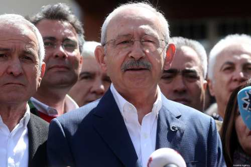 Chairman of the Republican People's Party (CHP) Kemal Kilicdaroglu (C) speaks to media as he leaves at a polling station after casting his ballot during local elections in Ankara, Turkey on 31 March, 2019 [Evrim Aydın/Anadolu Agency]