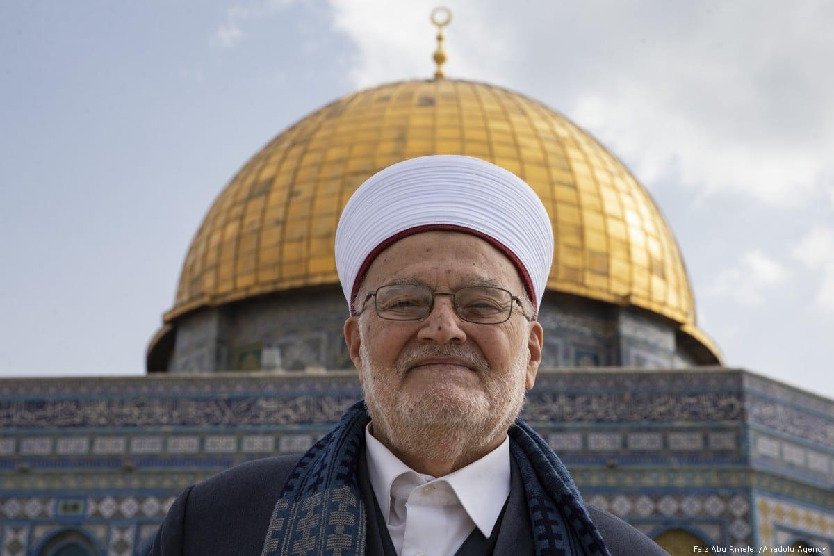 Grand Mufti of Jerusalem Sheikh Ekrima Sa'id Sabri at Al-Aqsa Mosque Compound in Jerusalem on 25 February 2019 [Faiz Abu Rmeleh/Anadolu Agency]