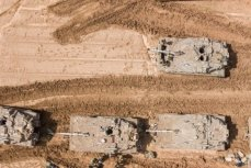 Military reinforcements can be seen heading to the Gaza-Israel fence on 28 March 2019 [Maan News]