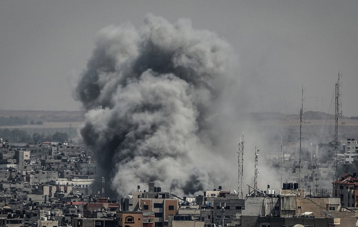 Smoke rises after Israeli warplanes carried out airstrikes in Gaza City, Gaza on 5 May 2019. [Ali Jadallah - Anadolu Agency]