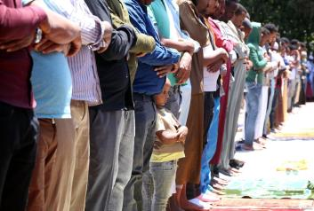 Muslim worshipers perform the first Friday Prayer in the Muslims' holy fasting month of Ramadan at Sumea Mosque in Addis Ababa, Ethiopia on 10 May, 2019 [Minasse Wondimu Hailu/Anadolu Agency]