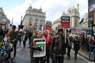 Thousands attend a protest organised by the Stop the War Coalition and Palestine Solidarity Campaign in support of the Palestinian people, to mark the 71st anniversary of the Palestinian Nakba, on May 11, 2019 in London, England [Tayfun Salcı / Anadolu Agency]