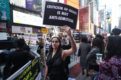 Demonstration in support of US Representative Ilhan Omar at 7th Avenue near of the Times Square in New York, US on 20 May 2019 [Atılgan Özdil/Anadolu Agency]