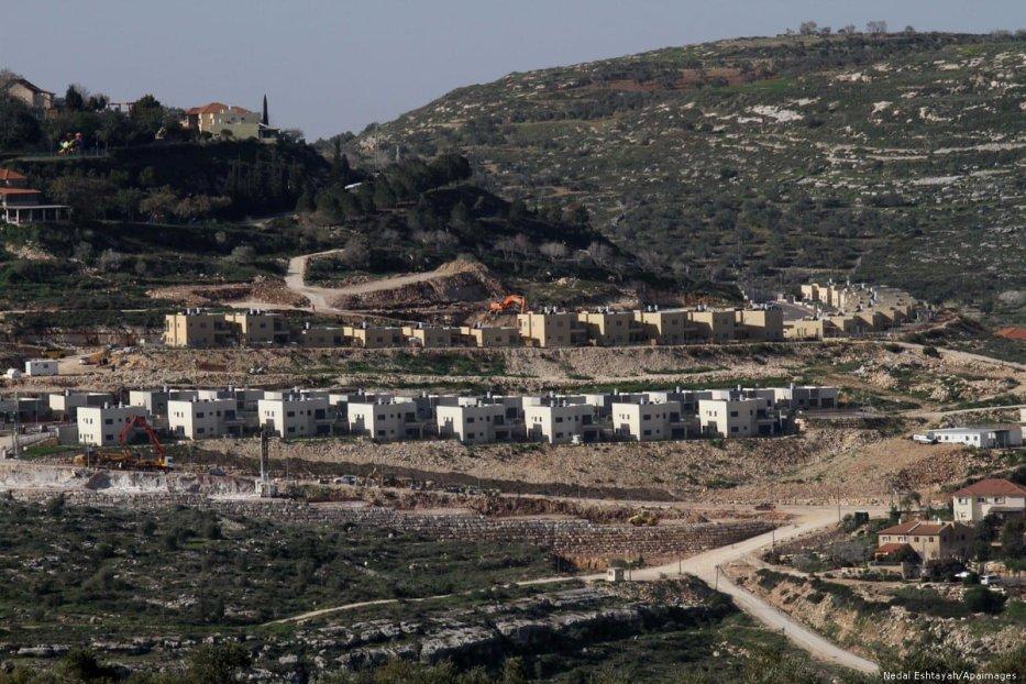 Jewish settlements near Nablus, in the Israeli-occupied West Bank, on 10 February 2015 [Nedal Eshtayah/Apaimages]