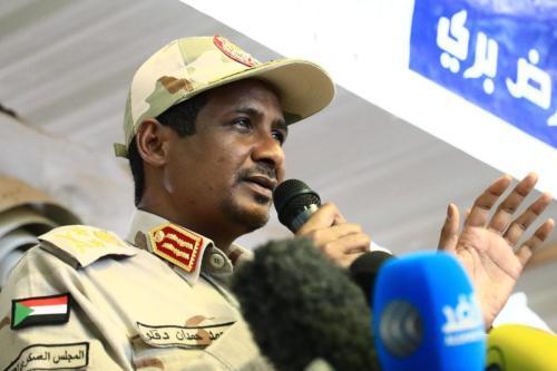 Sudanese General and Vice President of Sudanese Transitional Military Council, Mohamed Hamdan Dagalo makes a speech in Khartoum, Sudan on June 18, 2019. [Mahmoud Hjaj - Anadolu Agency]