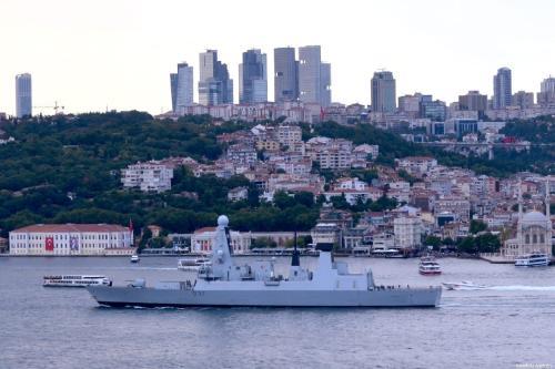 Warship belonging to British Navy, allegedly sent to the Strait of Hormuz is seen passing through the Bosphorus in Istanbul, Turkey on 12 July 2019. [Mehmet Eser/Anadolu Agency]