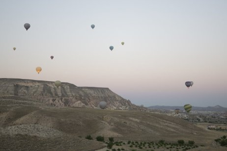 Hot air balloons fly over Cappadocia, Turkey in 5 July 2019 [Sercan Küçükşahin/Anadolu Agency]