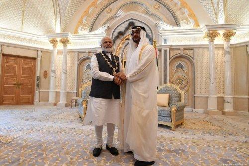 UAE Crown Prince Mohammed Bin Zayed (L) and India's Prime Minister in Abu Dhabi, UAE [Narendra Modi/Twitter]