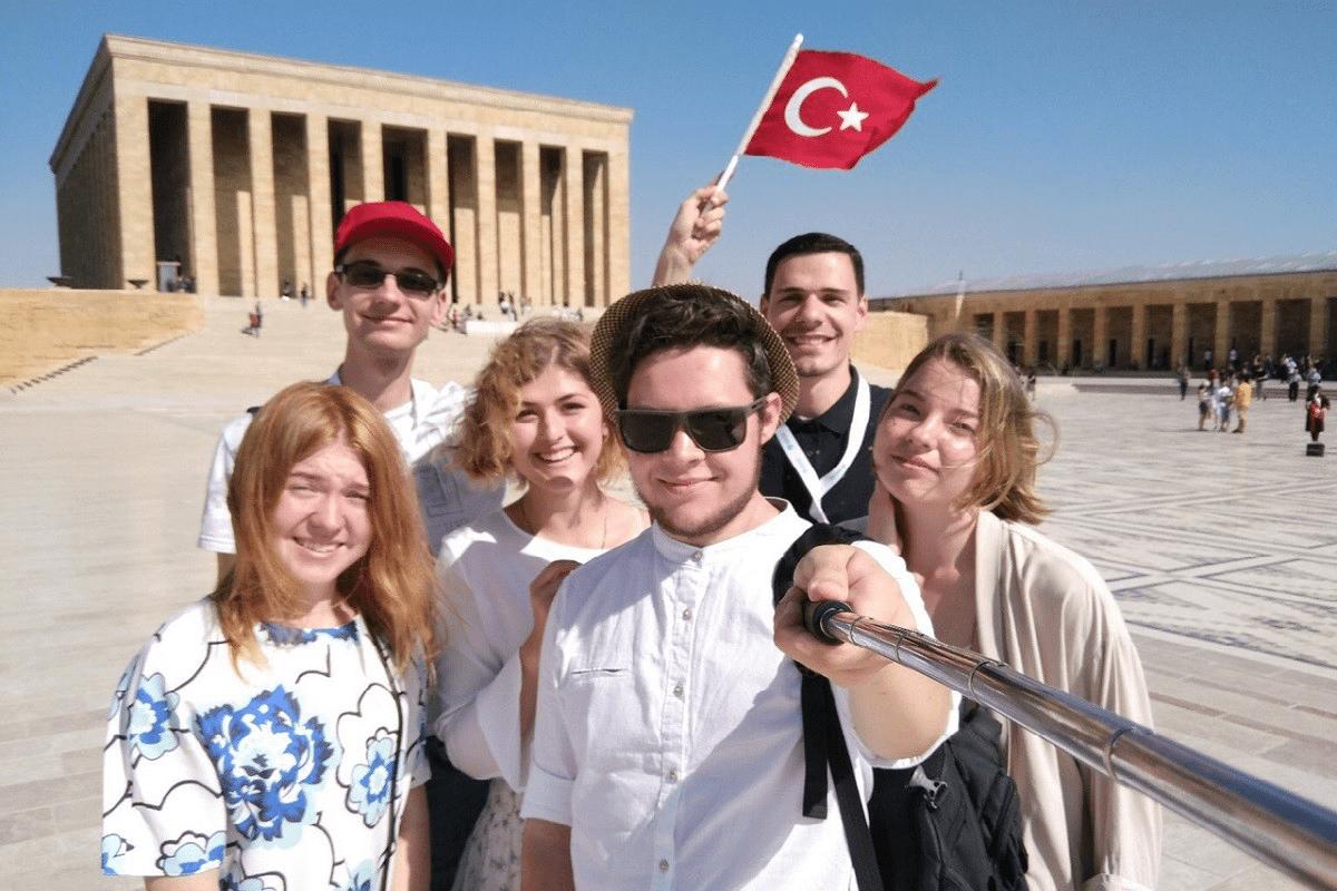 Erdogan: Turkey education hub for int'l students – Middle East Monitor