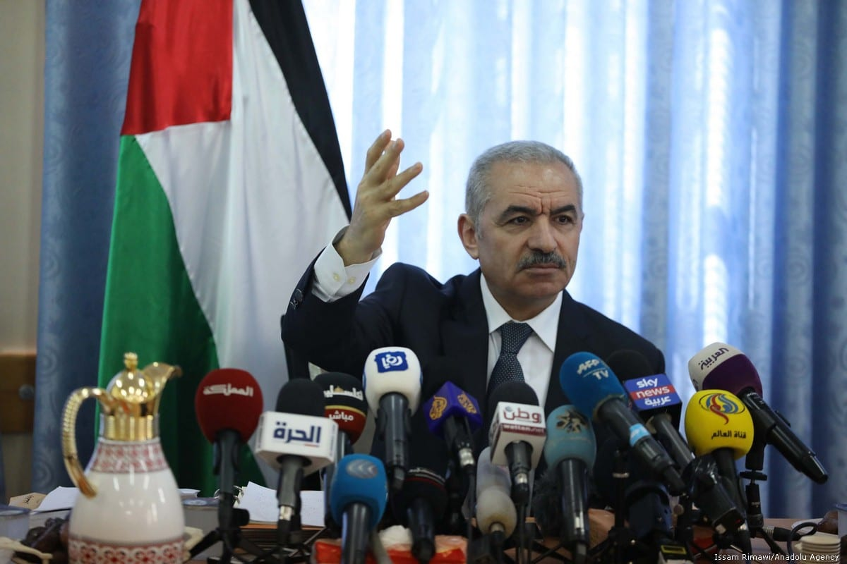 Palestinian Prime Minister Mohammad Shtayyeh leads the weekly cabinet meeting which is held in Jordan valley, in West Bank on 16 September 2019. [Issam Rimawi - Anadolu Agency]