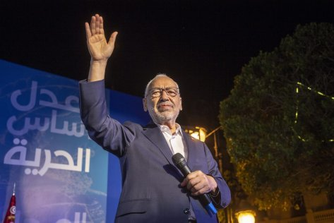 Leader of Nahda Movement Rachid al-Ghannouchi greets people during a gathering within Nahda Movement's election campaign at Habib Burgiba Street ahead of Tunisia's presidential election in Tunis, Tunisia on 4 October 2019 [Yassine Gaidi / Anadolu Agency]
