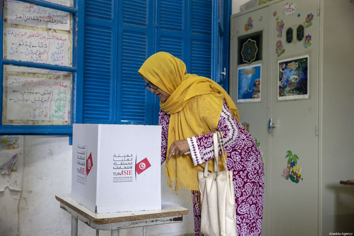 Tunisians cast their vote at a polling station during the parliamentary elections in Tunis, Tunisia on 6 October 2019 [Yassine Gaidi/Anadolu Agency]
