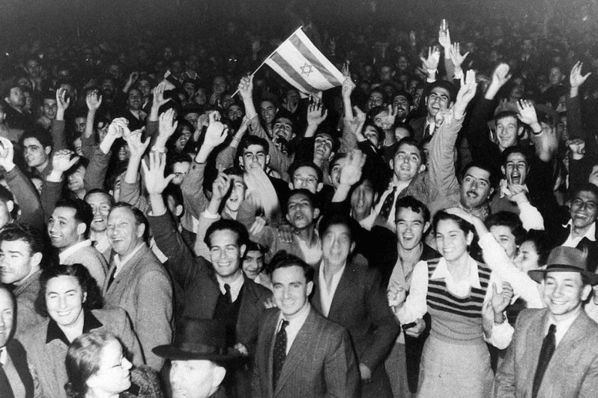 Residents of Tel Aviv celebrating the passage of Resolution 181, November 29, 1947