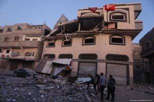 Israeli occupation planes target the house of senior Islamic Jihad figure Bahaa Abu Al-Ata in the Gaza Strip on 12 November 2019 [Mohammed Asad/Middle East Monitor]