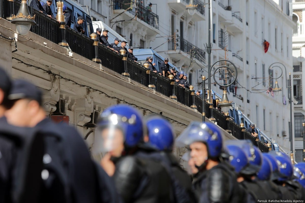 Thousands of Algerians take part in an anti-government demonstration against Bouteflika regime figures in Algiers, Algeria on ٥ November 2019. [Farouk Batiche/Anadolu Agency]
