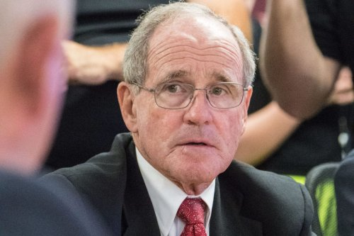 US Senator Jim Risch seen at the US Forest Service (USFS) for a 2017 fire briefing, in the USDA Forest Service Headquarters, Yates Building Fire Desk, on September 26, 2017 [Lance Cheung / USDA]