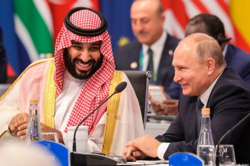 Russia's President Vladimir Putin (R) and Saudi Arabia's Crown Prince Mohammed Bin Salman in Buenos Aires, on 30 November 2018 [LUDOVIC MARIN/AFP/Getty Images]