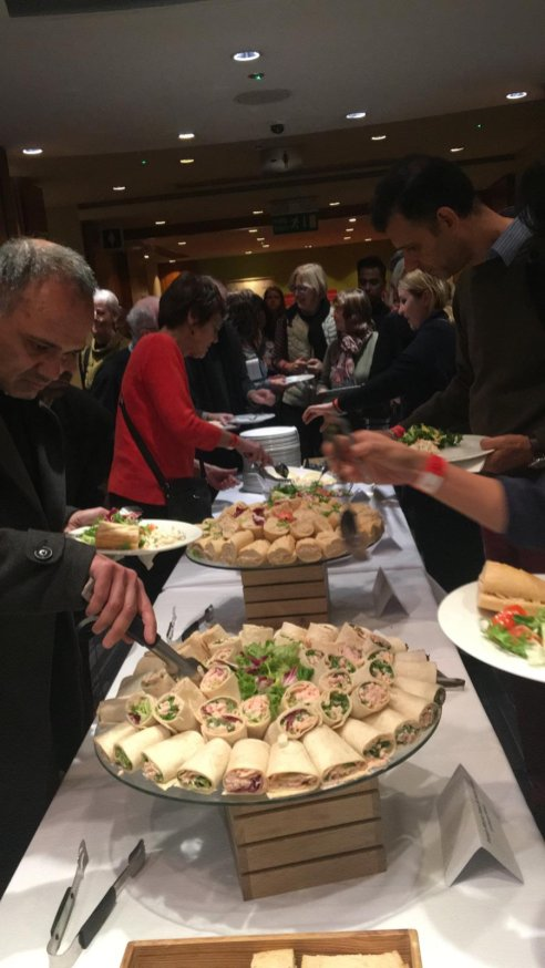 Guests enjoy their lunch at MEMO and EuroPal Forum conference The Palestine Question in Europe on 23 November 2019